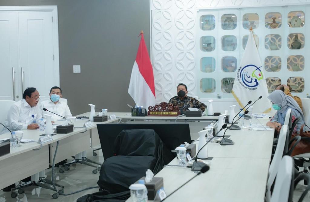 Menteri Trenggono memimpin rapat audiensi Ditjen Perikanan Tangkap